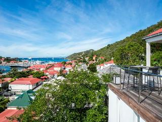 3 Bedoom Located in the Centre of Gustavia, walking distance to the beach! - Gustavia vacation rentals