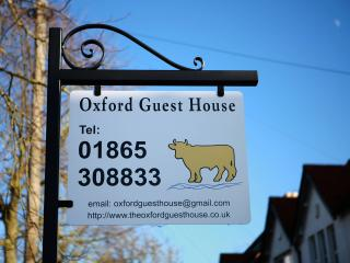 Bright and Cosy - The Oxford GuestHouse - Oxford vacation rentals