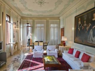 Extravagance in Venice + Butler - Venice vacation rentals
