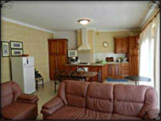 Nice Condo with Internet Access and A/C - Ghajnsielem vacation rentals