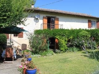 Large holiday house with pool, Dordogne France - Sainte Foy-la-Grande vacation rentals