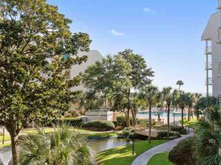 Completely Renovated, Fun, Family Friendly 2BR / 2 BA sleeps 8 with Ocean View - Hilton Head vacation rentals