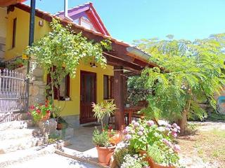 02901 Lovely and cheerful apartment - Krk vacation rentals