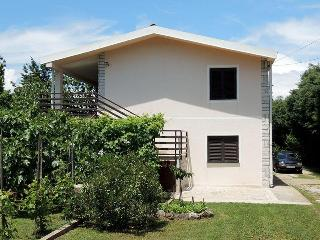 03901 Classic and nice apartment - Brzac vacation rentals