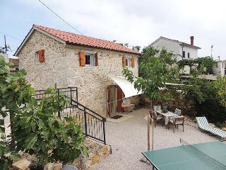Comfortable 2 bedroom Villa in Brzac - Brzac vacation rentals