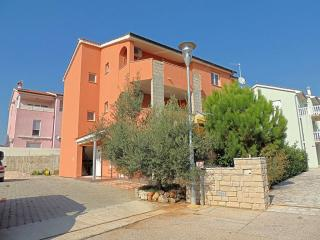 Lovely 1 bedroom Apartment in Krk - Krk vacation rentals