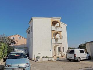 Lovely 1 bedroom House in Krk - Krk vacation rentals