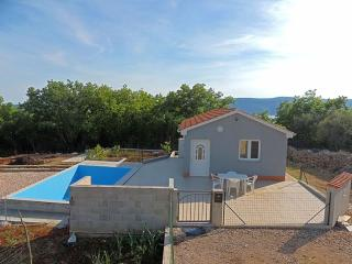 08501 Lovely holiday house with pool - Linardici vacation rentals