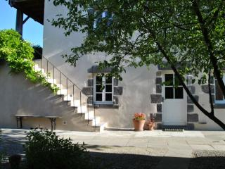 2 bedroom Gite with Internet Access in Teilhard - Teilhard vacation rentals