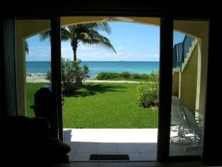 Ocean Front Condo Stay 6 Nights and 7th is FREE. - Freeport vacation rentals