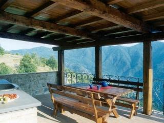 Vallico Nobile, unbeatable views, enormous terrace - Fabbriche di Vallico vacation rentals