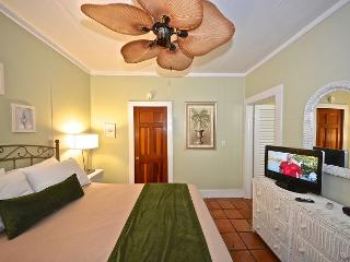Steps from Mallory Square! Sparkling water pool and breakfast! - Key West vacation rentals