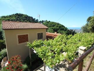 Nice 3 bedroom Vacation Rental in Monteggiori - Monteggiori vacation rentals