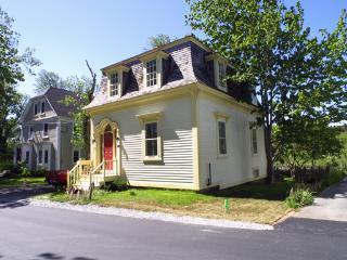 #37 Anchor Watch Cottage, Lunenburg - Lunenburg vacation rentals