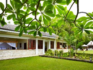 Golden Eye Fleming Villa - Ideal for Couples and Families, Beautiful Pool and Beach - Oracabessa vacation rentals