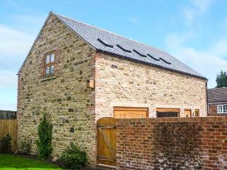 CARTHORPE BARN HOLIDAY APARTMENT, romantic retreat, private patio, WiFi, en-suite, in Carthorpe, Masham, Ref 932413 - Bedale vacation rentals