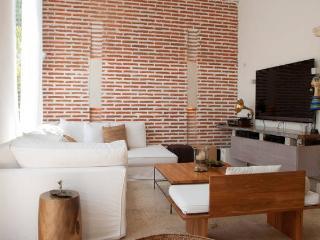 Stunning 3BR Old City Triplex Villa - Cartagena vacation rentals