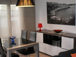 2 bedroom Condo with Washing Machine in L'Escala - L'Escala vacation rentals