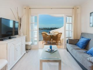 Beautiful 2 bedroom Puerto de Alcudia Apartment with Washing Machine - Puerto de Alcudia vacation rentals