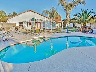 Captivating 3BR Avondale Home w/Wifi, Large Private Backyard & Inviting Swimming Pool - Easy Access to MLB Spring Training, Major Sports Venues, Golf, Downtown Phoenix & More! - Avondale vacation rentals