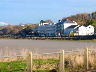 THE KINGFISHER APARTMENT, all first floor, en-suite, estuary views, in Sandside, Milnthorpe, Ref 929659 - Milnthorpe vacation rentals
