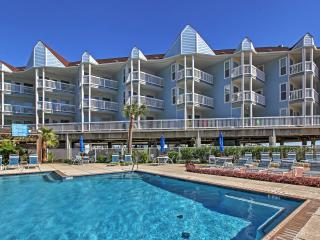 ** REDUCED RATES AUGUST - SEPTEMBER ** Splendid 1BR Galveston Condo w/Private Balcony, Ocean Views & Access to Community Pool, Hot Tub + Beach Area - Minutes to Moody Gardens, Schlitterbahn, The Strand & More! - Galveston vacation rentals