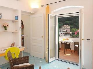 Comfortable 1 bedroom Apartment in Amalfi - Amalfi vacation rentals