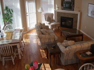 Beautiful House with Deck and Internet Access - Victoria vacation rentals