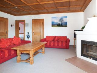 LLAG Luxury Vacation Apartment in Seehausen am Staffelsee - 969 sqft, clean, well-furnished, lots of… - Seehausen am Staffelsee vacation rentals