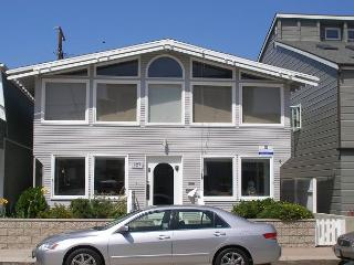 Spacious 4 Bedroom Bayside Single Family Home! Excellent Location! (68221) - Balboa vacation rentals