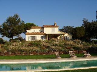 Bright 9 bedroom House in Marsiliana - Marsiliana vacation rentals