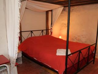 Bright La Suze-sur-Sarthe Studio rental with Balcony - La Suze-sur-Sarthe vacation rentals