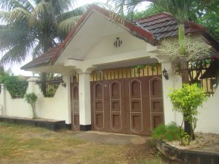 Bright 4 bedroom Stone Town Villa with Internet Access - Stone Town vacation rentals