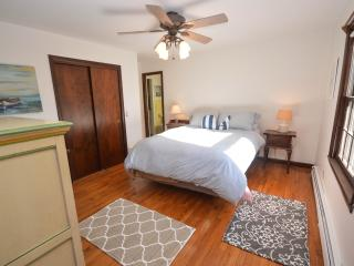 Recently Remodeled 3 Bedroom On Private Wooded Lot - Eastham vacation rentals