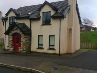 Holiday Home Glencolmcille - Glencolmcille vacation rentals
