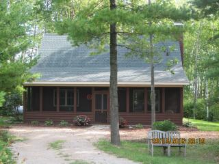 Perfect Cottage with Internet Access and A/C - Sturgeon Bay vacation rentals