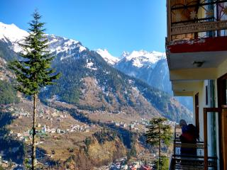 Romantic 1 bedroom Manali Cottage with Television - Manali vacation rentals