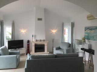 Maison dans un golf proche des plages,wifi gratuit - Budens vacation rentals