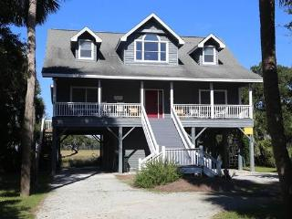 "901 Jungle Shores Dr.- ""Thompson"" - Edisto Beach vacation rentals"