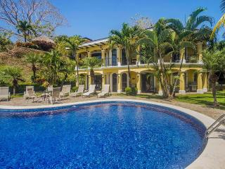 Bright 6 bedroom Villa in Herradura - Herradura vacation rentals