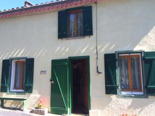3 bedroom Cottage with Mountain Views in Belvianes et Cavirac - Belvianes et Cavirac vacation rentals