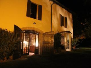 Room& Breakfast nel Borgo Scipione  entire house - Salsomaggiore Terme vacation rentals