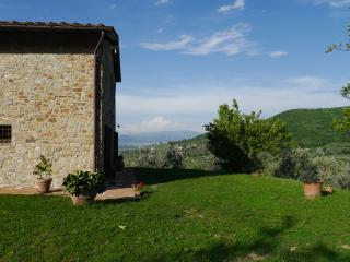 Bright 3 bedroom Quarrata Farmhouse Barn with Internet Access - Quarrata vacation rentals