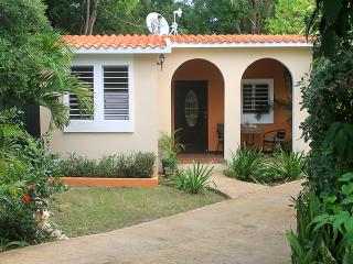 Close to Beaches, Restaurants, and Shops!! - Esperanza vacation rentals