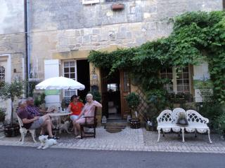 Beautiful 2 bedroom Beaumont-du-Perigord Bed and Breakfast with Internet Access - Beaumont-du-Perigord vacation rentals