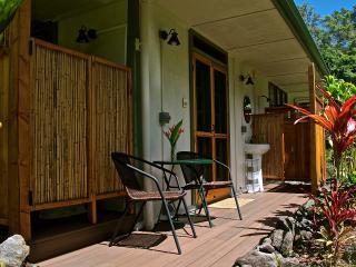 AlohaHola Guesthouse 2 - Keaau vacation rentals
