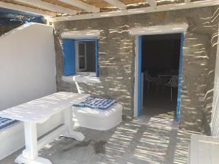 Mykonos holiday apartment - Kalafatis vacation rentals