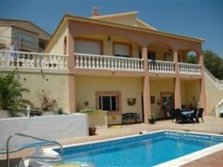 VILLA SUNSHINE, with private pool and garden. - Olivella vacation rentals