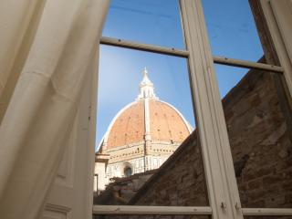 Il Guelfo view over the Cathedral's cuple - Florence vacation rentals