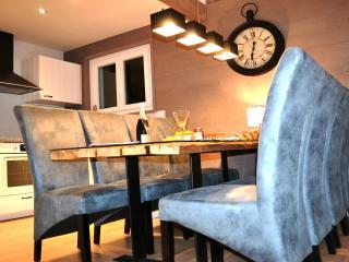 Luxueux Chalet idéalement situé au calme - WIFI - Bolquere vacation rentals